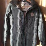 Сноубордическая женская куртка. Фото 1.
