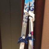 Лыжи детские с палками и креплениями. Фото 1.