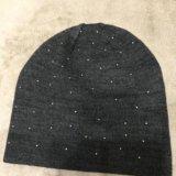 Новая шапка со стразами. Фото 2.