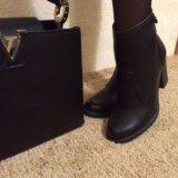 Сумка и ботинки. Фото 2.
