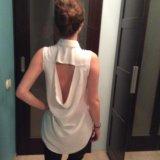Белая рубашка с открытой спиной + ремешок. Фото 4.