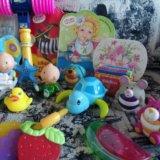 Пакет игрушек и книги. Фото 3.