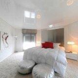 Натяжные потолки в спальню. Фото 1.