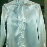 Атласная белая блузка с эффектным бантом. Фото 2. Москва.