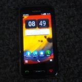 Nokia c6-01. Фото 2.