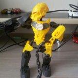 Игрушечный робот. Фото 1.