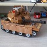 Игрушечный танк. Фото 1.