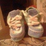 Вяжим на заказ детские пинетки, носки крючком. Фото 2.