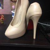 Туфли новые беж размер 35 на высоком каблуке. Фото 1.