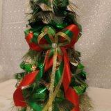 Елка новогодняя из конфет. Фото 3.