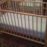 Детская кроватка и матрас. Фото 1.