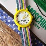 Часы наручные для подростка moschino teen. Фото 1.