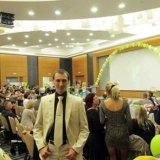 Шикарный костюм с золотым оттенком+подарок галстук. Фото 2. Ростов-на-Дону.