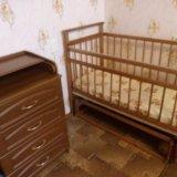 Детская кроватка с матрасом и пеленальный комод. Фото 1. Гостилицы.