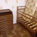 Детская кроватка с матрасом и пеленальный комод. Фото 3. Гостилицы.