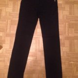 Черные джинсы. Фото 1.