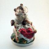 Статуэтка лфз медведица с колыбелью. Фото 1. Санкт-Петербург.