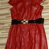 Кожаное красное платье. Фото 1.