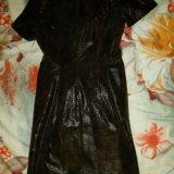 Плотное платье. Фото 1.