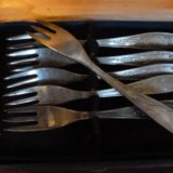 Маленькие мельхиоровые вилочки. Фото 2. Юбилейный.