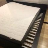 Кровать и жёсткий матрас икеа. Фото 1.