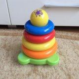 Tomy пирамидка. Фото 1.