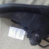 Кроссовки  adidas. Фото 1.