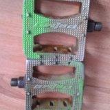 Две пары педалей для bmx. Фото 4.
