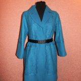 Ярко-голубое пальто с кружевом. Фото 2. Москва.
