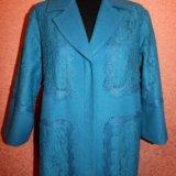Ярко-голубое пальто с кружевом. Фото 4. Москва.