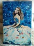 Девушка на синем. Фото 1.