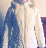 Куртка белая пуховая. Фото 1.