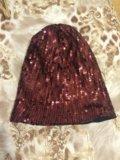 Блестящая коричневая шапка с пайетками. Фото 1.