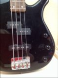 Электро-бас гитара yamaxa n89 четырёхструнка. Фото 4.