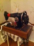 Швейная ручная машинка. Фото 1.