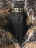 Натуральная меховая жилетка. Фото 4.