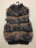 Натуральная меховая жилетка. Фото 1.