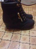 Полусапожки на шнурках. Фото 1.