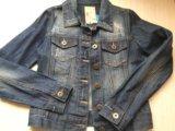 Стильная джинсовая куртка. Фото 1.