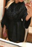 Шерстяное пальто с меховым воротником. Фото 2.