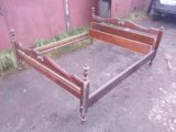 Кровать двуспальняя деревянная. Фото 2.