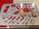 Игрушечная детская кухня с посудой. Фото 3.