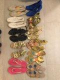 Обувь в ассортименте. Фото 1.