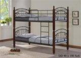 Двухьярусная кровать. Фото 1.