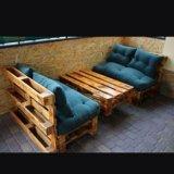 Оригинальные столы и диваны. Фото 1.