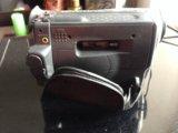 Видеокамера  пишущая на кассету вместе с сумкой. Фото 1.