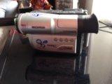 Видеокамера  пишущая на кассету вместе с сумкой. Фото 2.