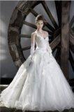 Роскошное свадебное платье. Фото 3.