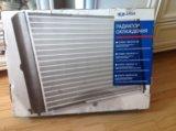 Радиатор охлаждения подходит к 2106. Фото 1.