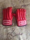 Перчатки для занятий карате. Фото 1.